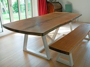 Tisch aus Vollholz von der Tischlerei Rieckhoff