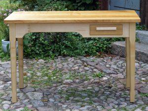 Büro Möbel aus Vollholz der Tischlerei Rieckhoff