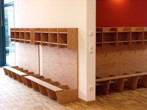 Individuelle Möbel aus Vollholz für den Kindergarten angefertigt von der Tischlerei Rieckhoff